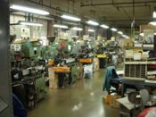 メガネフレーム・モダン・パットの製造。メガネ部品の販売、修理をしています。